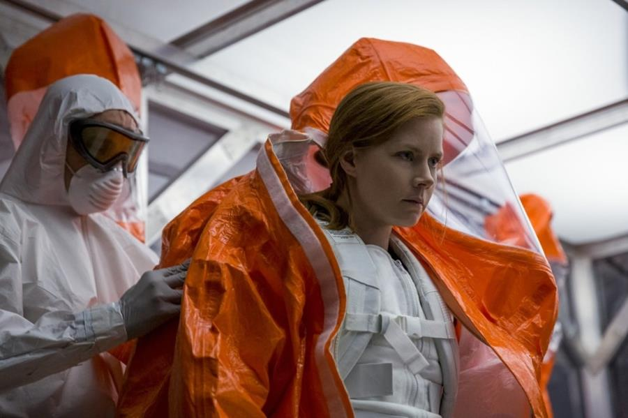 Amy Adams in Arrival.